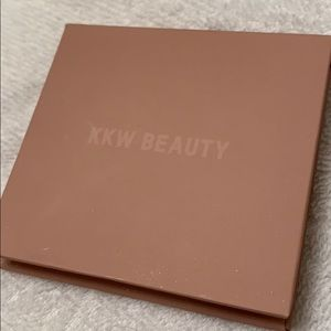 KKW  Beauty Contour Powder in Shade 3